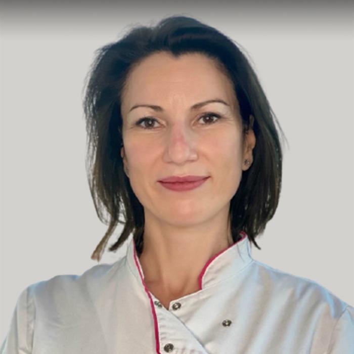 Dr. Diana Coles