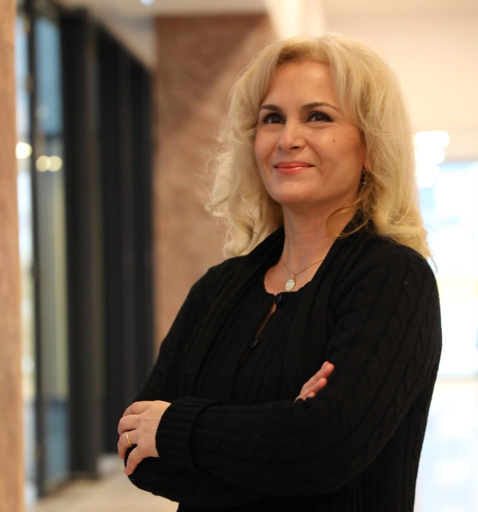 Dr. Tache Diana