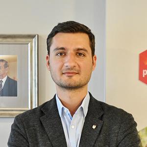 Dr. Andrei Popescu